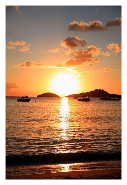 Le Soleil Se Couche Ou : soleil, couche, ปักพินในบอร์ด, Voyages, Guadeloupe