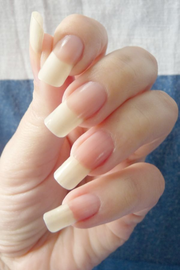 Don\'t want my nails this long but her hands are beautiful ...