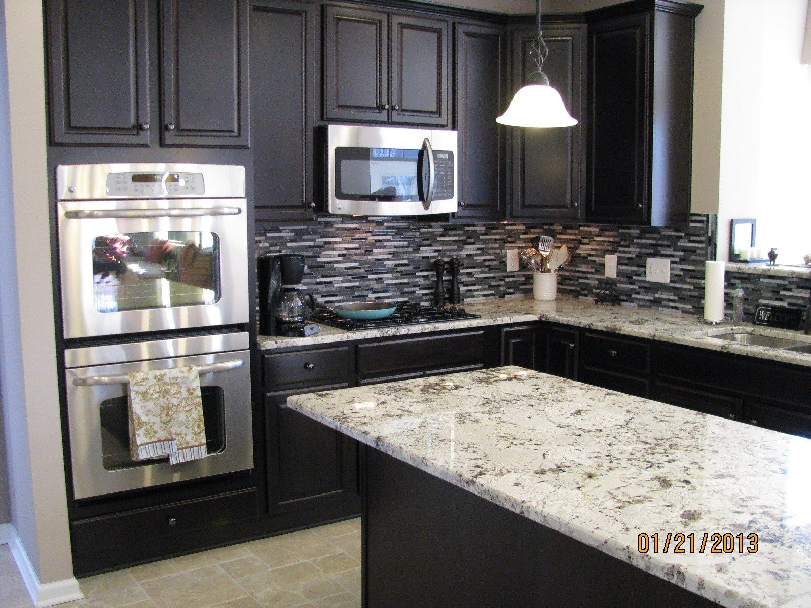 Kitchen Cabinet And Granite Color Combinations Kitchen Cabinets