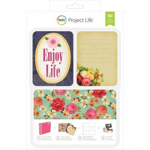 PROJECT LIFE - KIT 380340 - BECKY HIGGENS - ENJOY LIFE Project Life kit inneholder 180 kort totalt.Du får 60 stk 4x6 kort, 30 title cards 6 designs, 5 each 30 journaling cards 6 designs, 5 each 120 3x4 cards: 30 designs, 4 each.De lar deg dokumentere viktige hendelser, ferier, eller rett og slett livet, på en enkel og spennende måte. Du trenger en album, plastlommer med inndeling, en penn og diverse kort. AMERICAN CRAFTS-Project Life ...