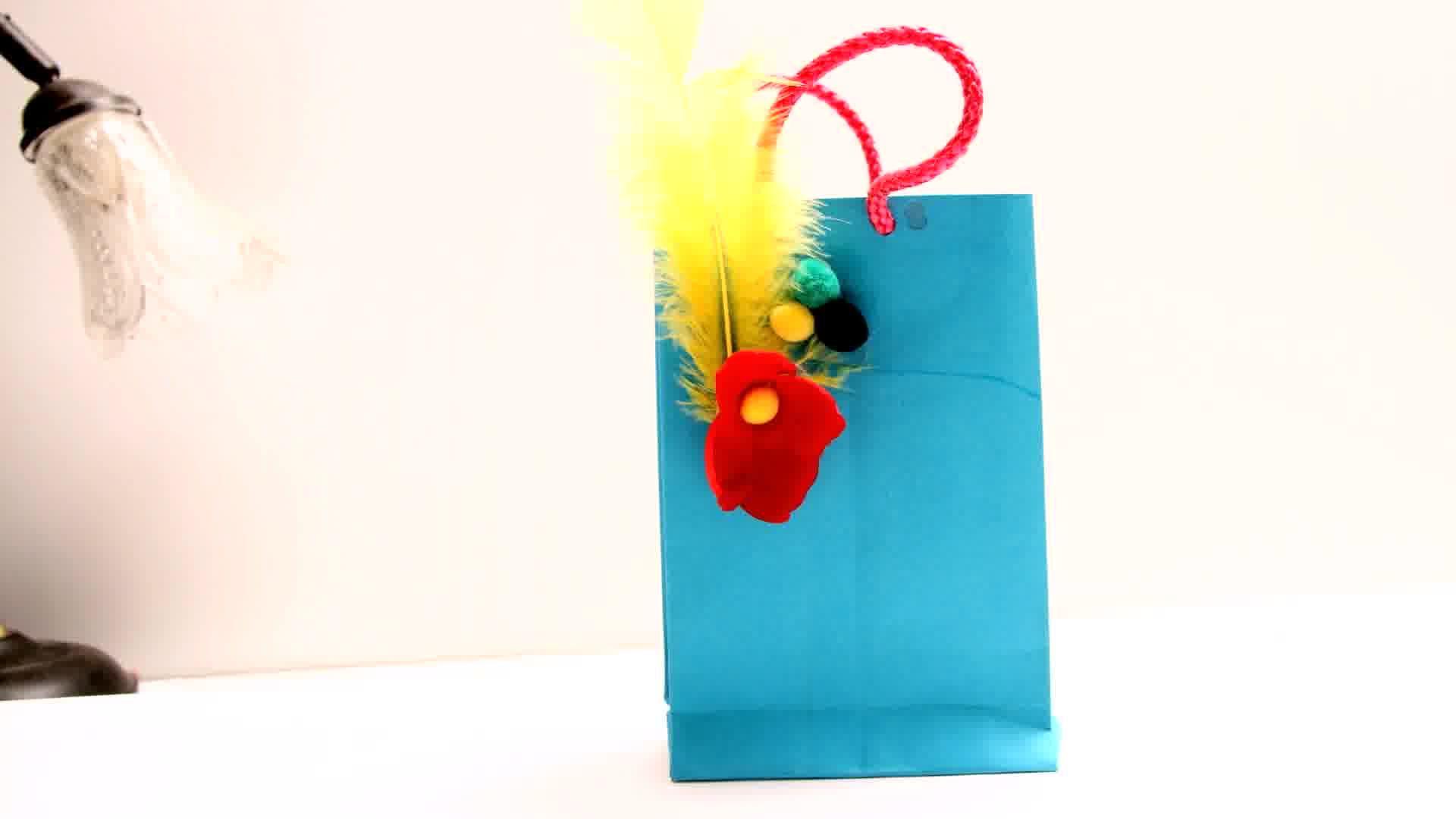 fabriquer un sac en papier pinterest sac en papier vieux magazines et sacs cadeaux. Black Bedroom Furniture Sets. Home Design Ideas