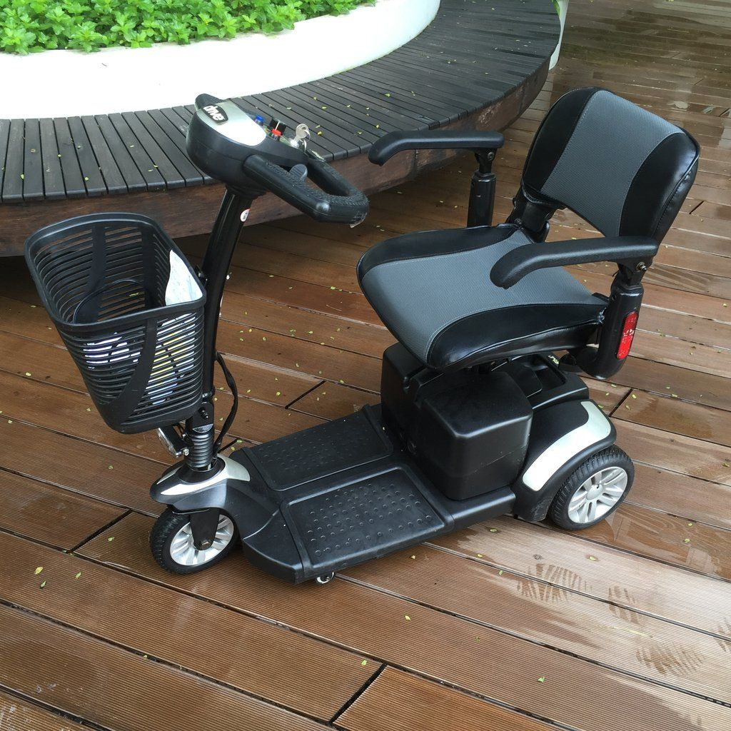 Refurbished Spitfire 3-Wheel Mobility Scooter (Silver