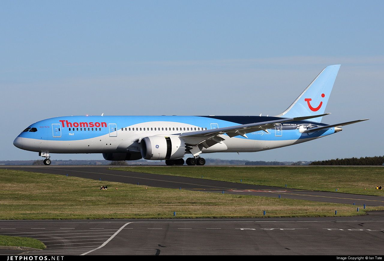 Thomson Airways Boeing 787 (G-TUIA) \'Living The Dream\' on climb out ...