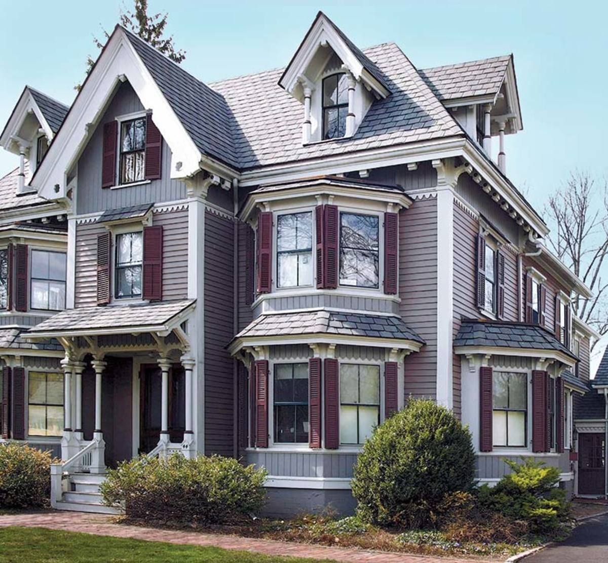 Pin By Kathy Flynn On Queen Anne Victorian Homes Exterior Exterior Paint Colors For House Victorian House Colors