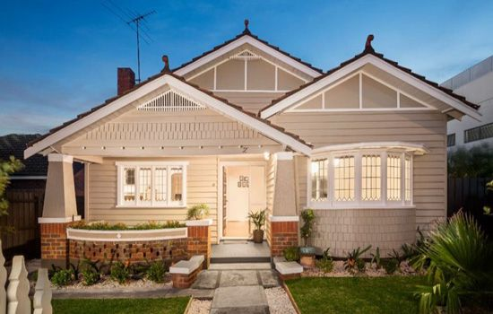 California bungalow melbourne google search colours for Cottage style homes melbourne