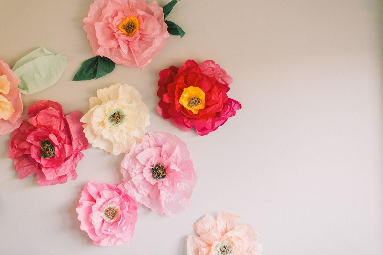 Diy flower wall bridesmaids party pinterest diy flower diy giant tissue paper flowers by lovelyfest read more httpstylemepretty20140212diy flower wall bridesmaids party mightylinksfo