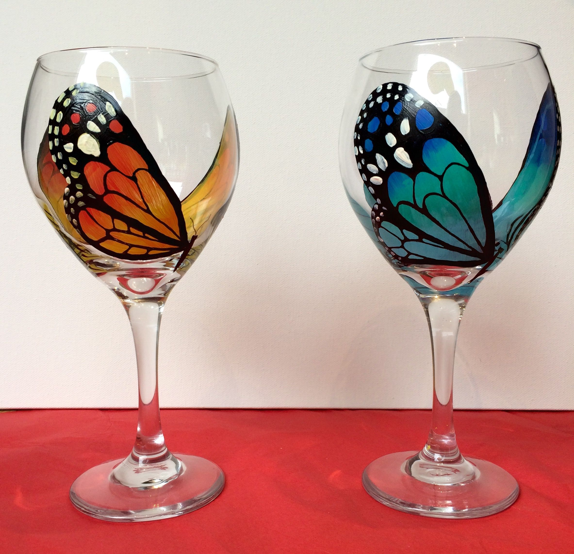 Butterfly Wine Glass Set By Donnascraftsandmore On Etsy Wine Glass Art Painting Glassware Wine Glass