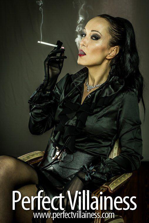 Fetish liza smoking