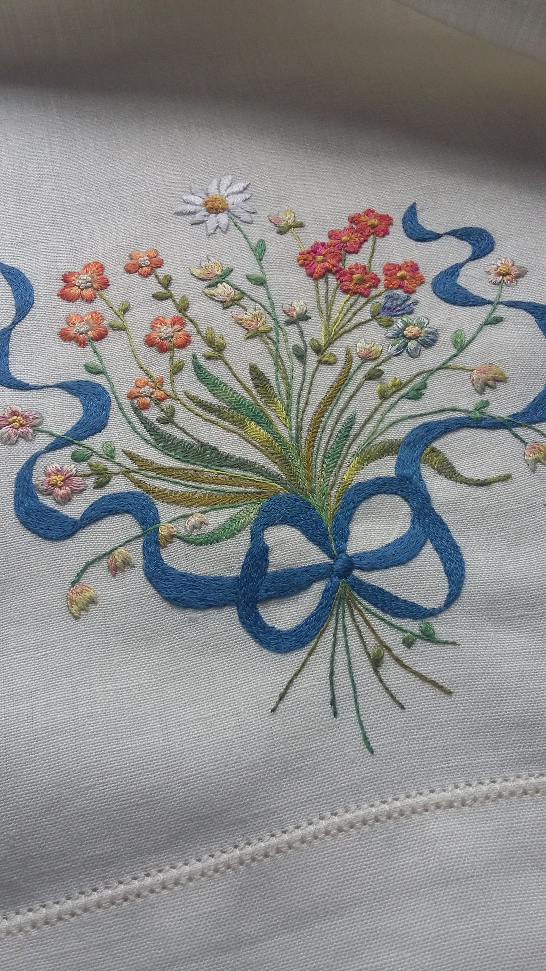 Ribbon embroidery bedspread designs - Embroidery Designs