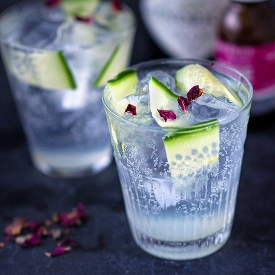 A Diet Cocktail For Those Watching Their Calories With Lemon
