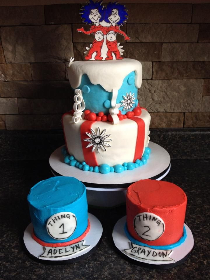 Thing 1 Thing 2 Cake W Smash Cakes With Images Cake