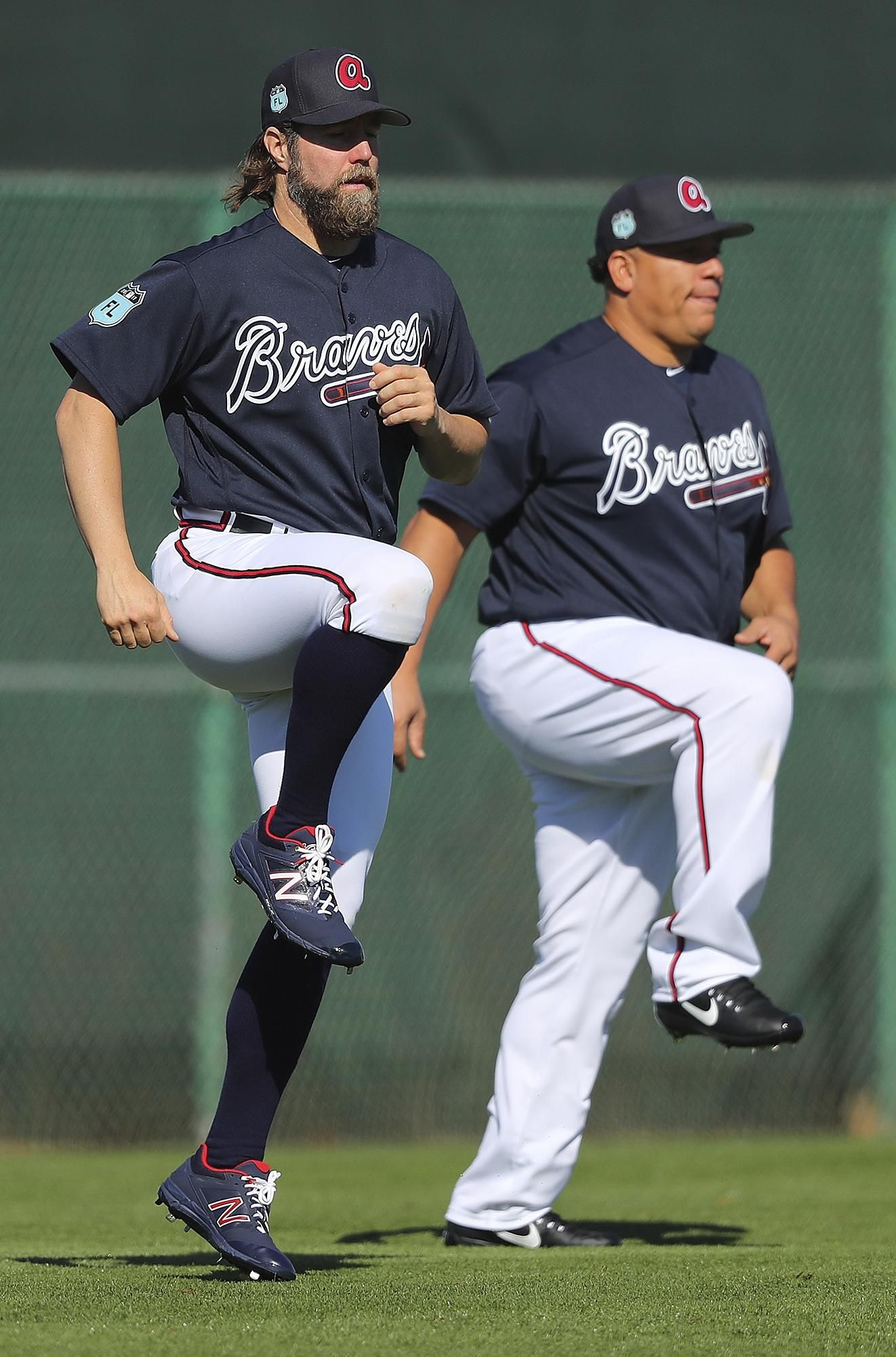 Braves Pitchers R A Dickey Left And Bartolo Colon Loosen Up During Spring Training On Thursday Feb 1 Atlanta Braves Baseball Braves Baseball Atlanta Braves