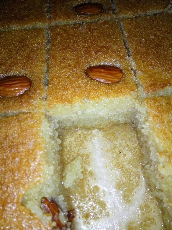 עוגת סולת עסיסית.jpg
