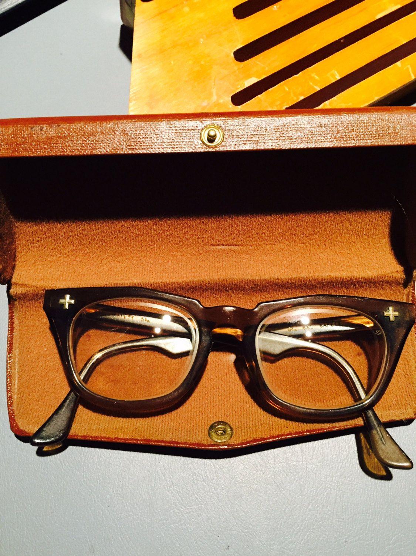 d7d6aa0ef26 Vintage 1950-60 s Brown Horn Rimmed