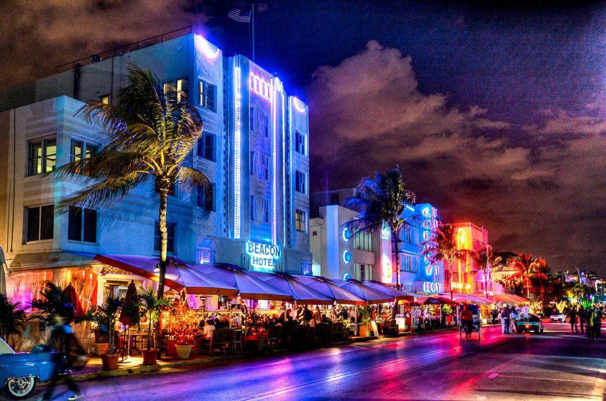 South Beach Art Deco District | samdobrow photography - fine art1200 ...