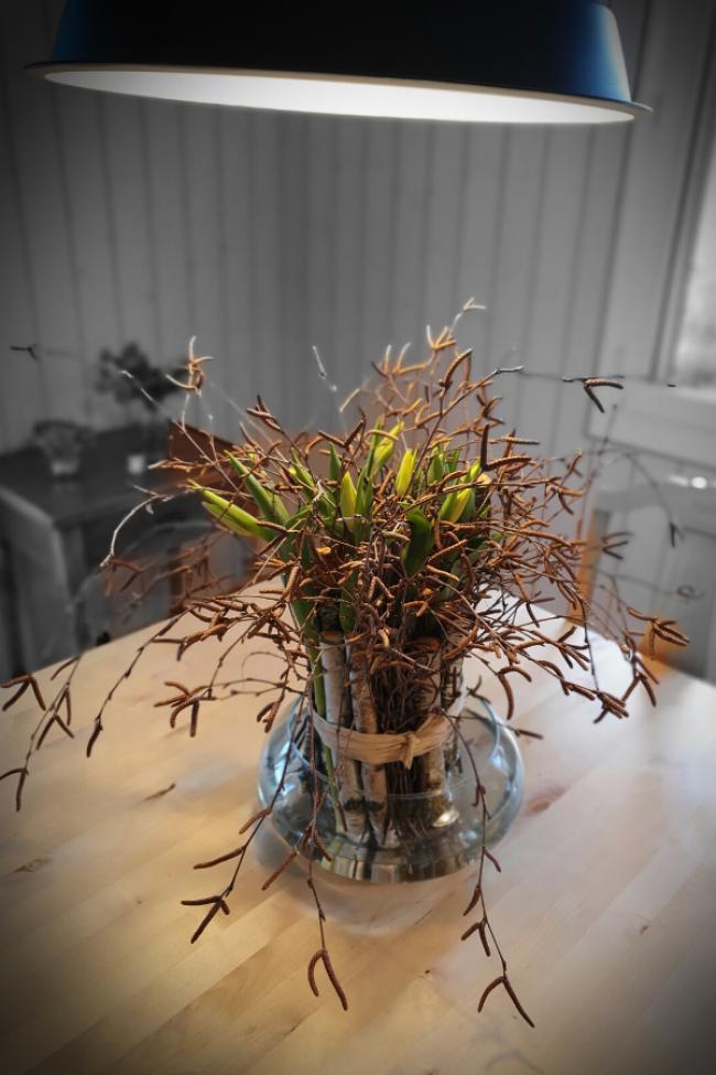 Diy Anleitung Fur Einen Exklusiven Tulpenstrauss Zum Selber Machen Fruhlingsdeko Idee In 2020 Fruhlings Dekoration Tulpen Blumen Tulpen