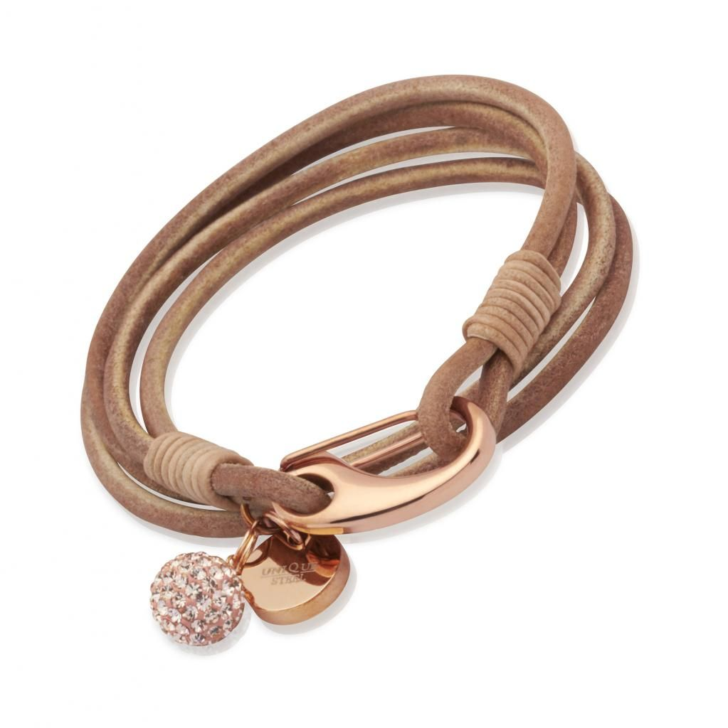 A beautiful and simple bracelet that will always look right ...
