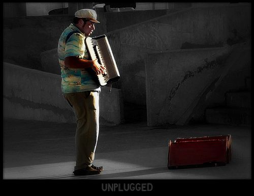 Unplugged Photo Alejandro Groenewold http://www.flickr.com/photos/rust_art/