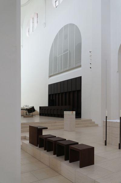 Meditation in wei john pawson saniert die moritzkirche for Innenarchitektur augsburg