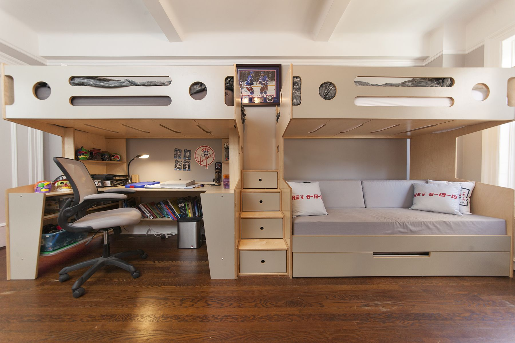 Marino Loft Bed With Desk Adjacent To A Marino Bunk Over Daybed With Stairs Kids Loft Beds Bunk Beds With Stairs Bunk Bed Designs