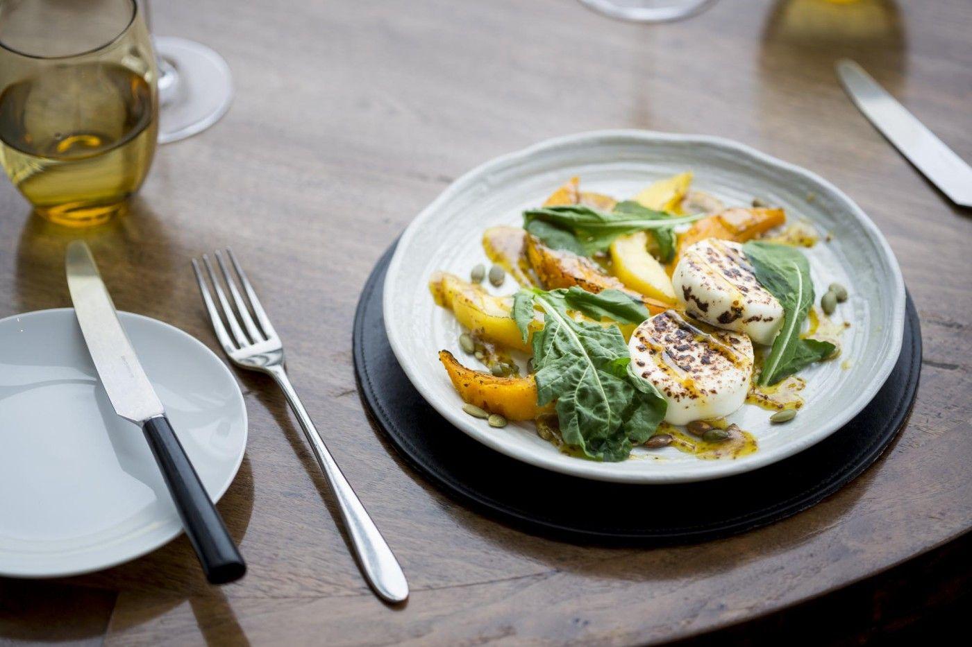 Modern restaurant table setting - David Mellor Pride Cutlery With Black Knife Handles Skylon Restaurant