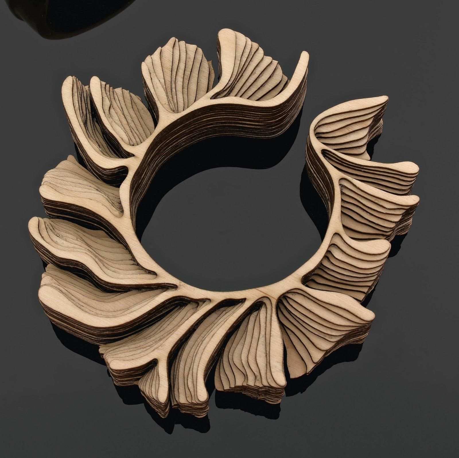 Bangle/Bracelet | Anthony Roussel. "|1600|1596|?|054a39a621b135617247c62f75ed0e8f|False|UNLIKELY|0.30959126353263855
