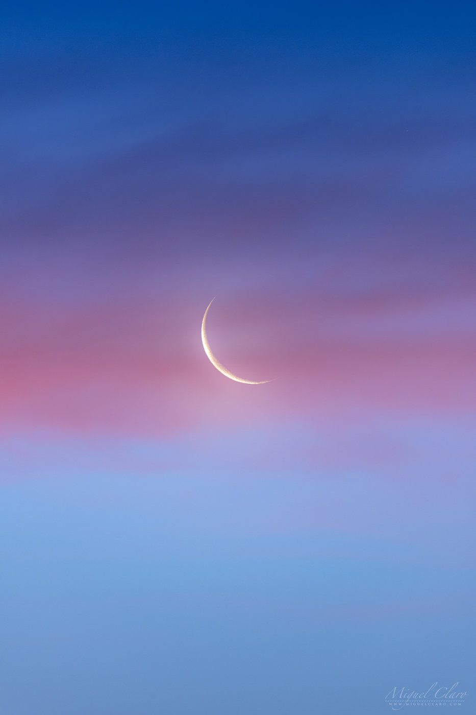 Pink Clouds Adorn Crescent Moon In Gorgeous Photo Sky Aesthetic Moon Photography Pink Clouds