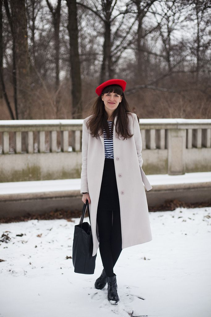 9df5620d Stripes + red beret | Street Style | Fashion, Style, Fashion outfits