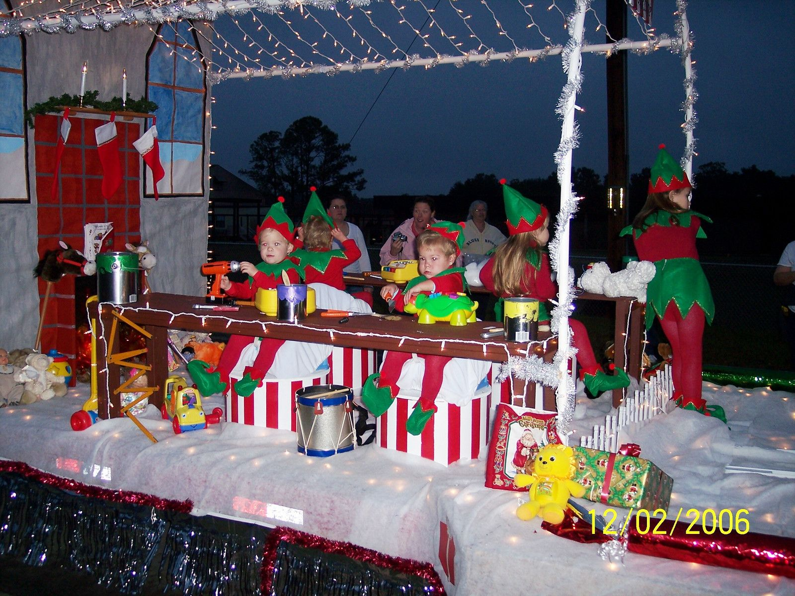 Keystone Heights Christmas Parade 2020 A Great Image | Christmas parade, Christmas parade floats, Holiday