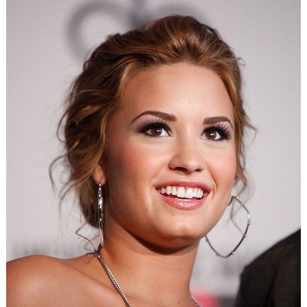 Demi Lovato ♥ ❤ liked on Polyvore featuring accessories, demi lovato, demi, celebrities and hair