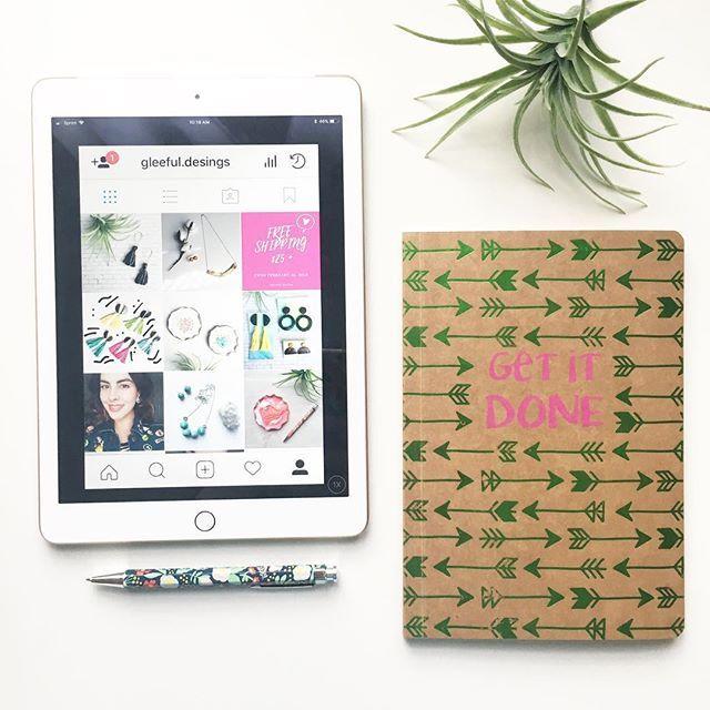 My little space!📱📓 ️💕 . office diy instagram creative