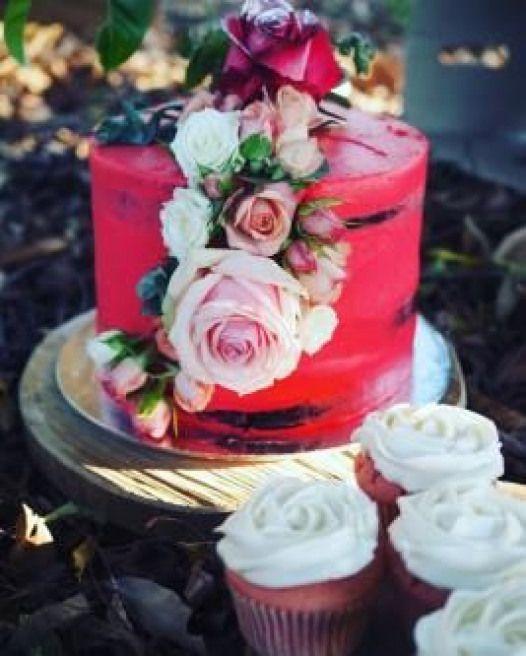 Floral vegan wedding cake by Veganyumm (Brisbane Australia) (via Vegan Wedding Cakes)