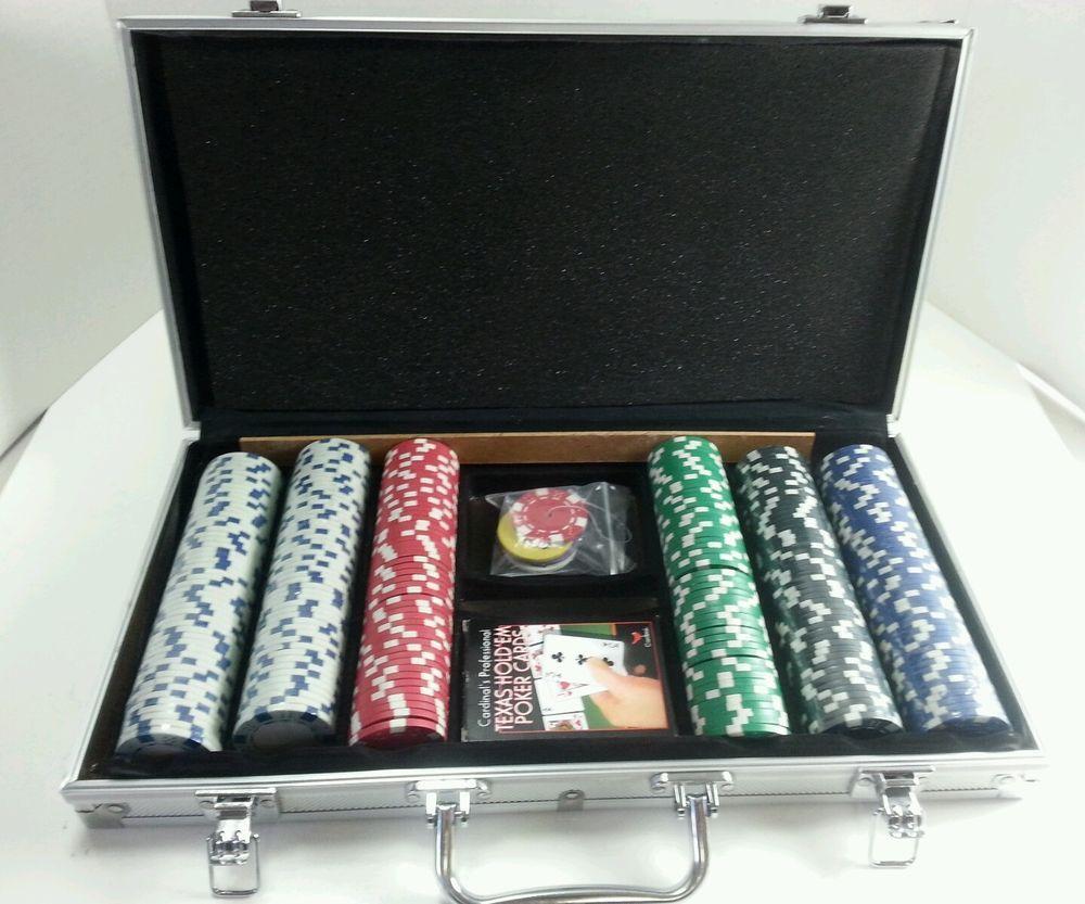 Cardinal's Professional Texas Hold'em Poker Set W/Case