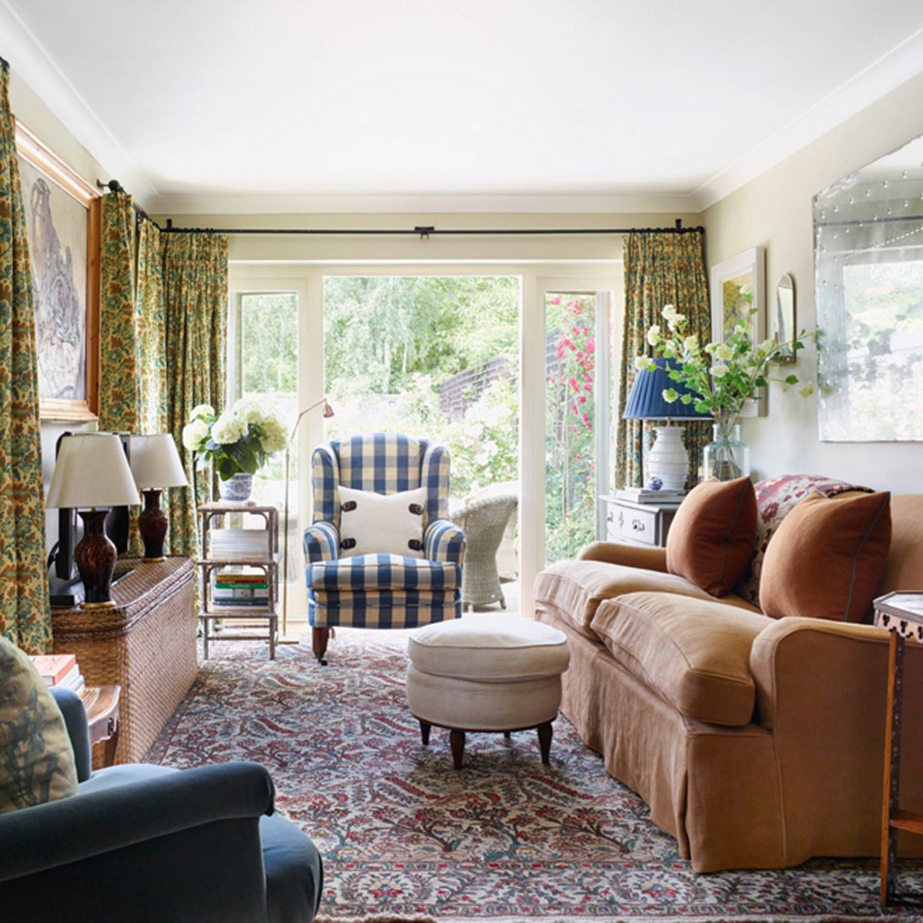 40 Cozy Small Living Room Ideas For English Cottage: Cottage Living Rooms, Farm