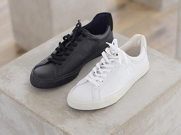 c59a5396e6 VEJA Esplar leather black and Esplar leather white. Available on veja.fr   veja  vejashoes  fairtrade  blackandwhite