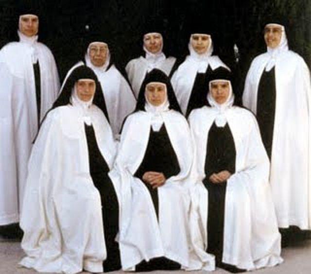 Discalced Carmelites | Habits | Nuns habits, Catholic orders, The