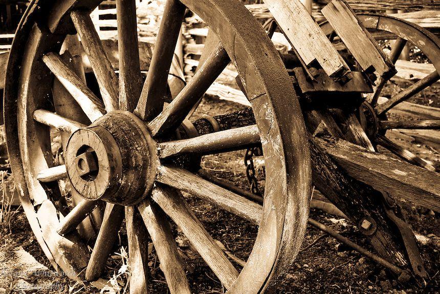 Old Wagon Wheels Axle B W Ian C Whitworth Photography Wagon Wheel Old Wagons Wooden Wagon Wheels