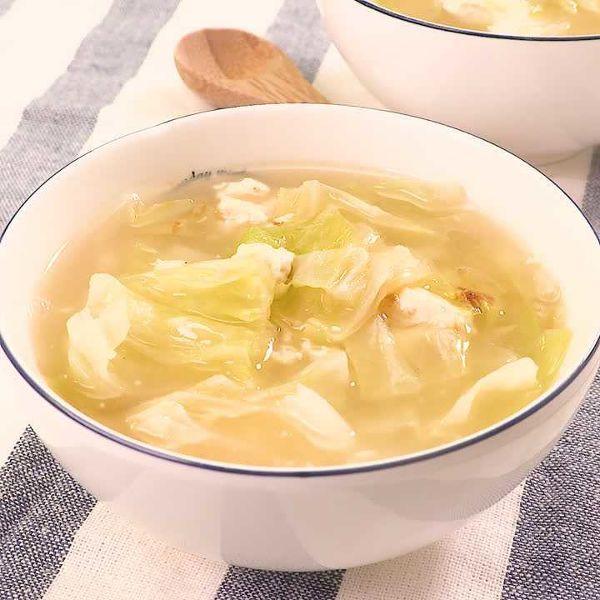 Photo of キャベツが甘い!キャベツとくずし豆腐のスープ