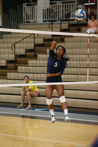 Shemira Pennyman Brandeis University Credit Sportspix Biz Mike Broglio University Volleyball Basketball Court