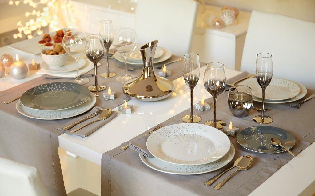 Une table de no l or et argent deco table noel deco - Deco table noel argent et blanc ...