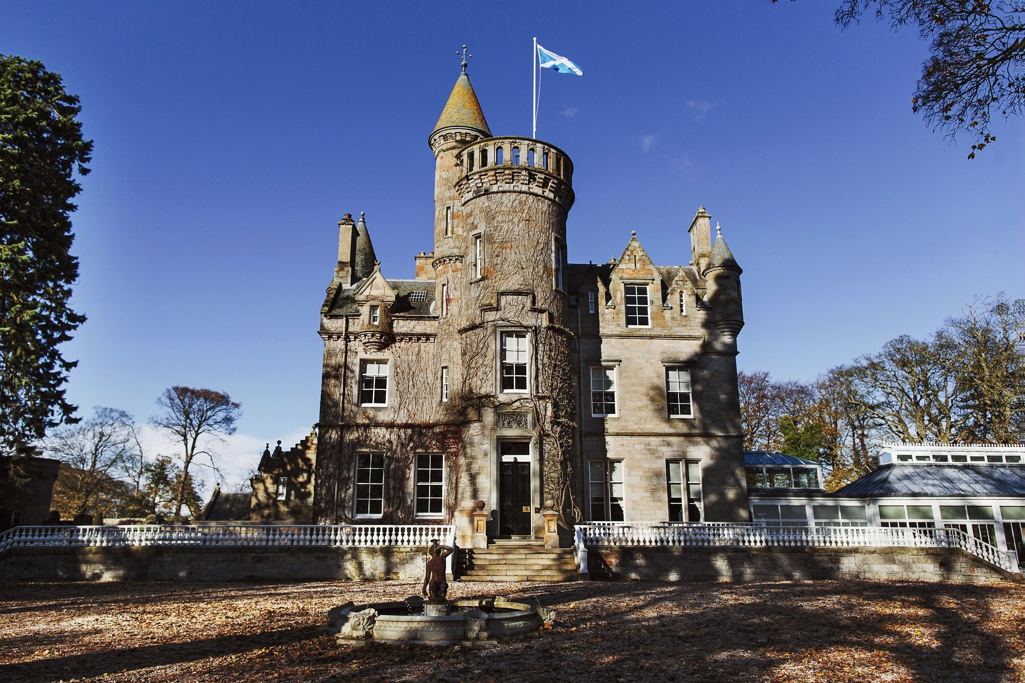 Carlowrie Castle A Luxury Exclusive Use In Kirkliston Edinburgh Scotland Unique Wedding Venue On The Edge Of Scotlands Capital City