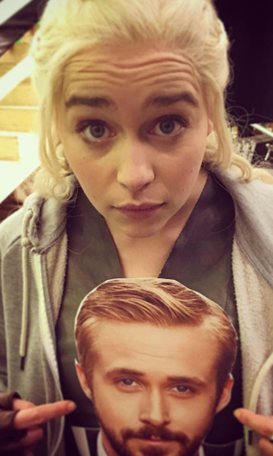 30 times emilia clarke was not only the mother of dragons but the queen of instagram. Black Bedroom Furniture Sets. Home Design Ideas