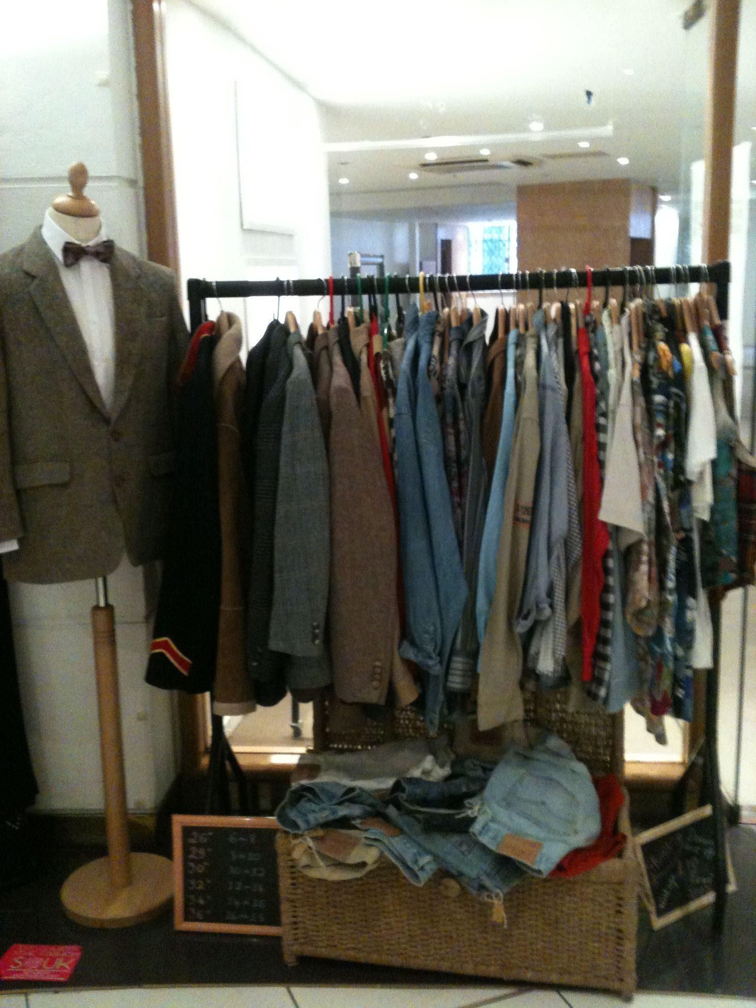 Vintage Clothing Market Stall Menswear Vintage Outfits Menswear Thrifted Outfits