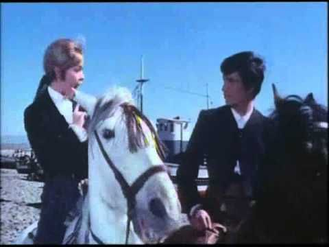 """""""Yo no quiero ser torero"""". Marisol - Pepa Flores. Solos los dos. -"""