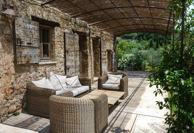 Simple Luxury Villas For Rent Villas To Rent Old Stone House Old Stone Houses Stone House Stone Houses