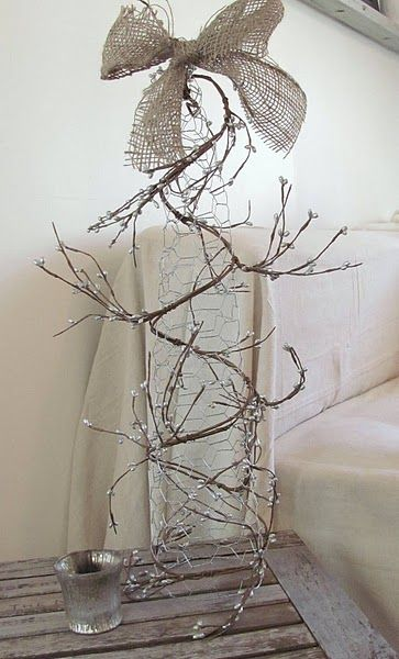 Upcycled chicken wire tree! How fun!   On Holiday   Pinterest   Wire ...