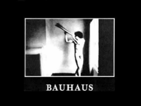 Bauhaus In The Flat Field Avec Images Poster Affiche