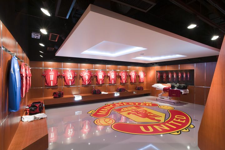 The Manchester United Experience Retail By Head 03 Magasin Sport Branding Visual Merchandising