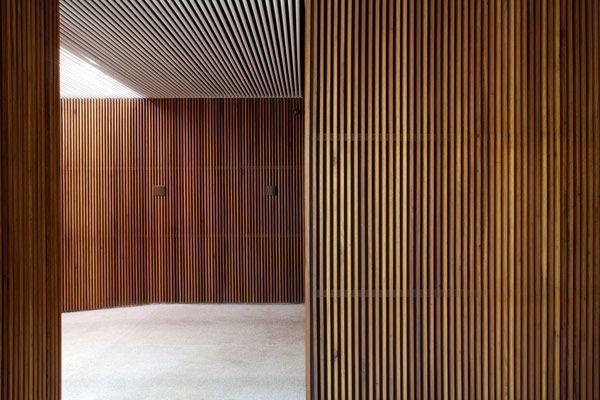 24 Muro lambrin de madera