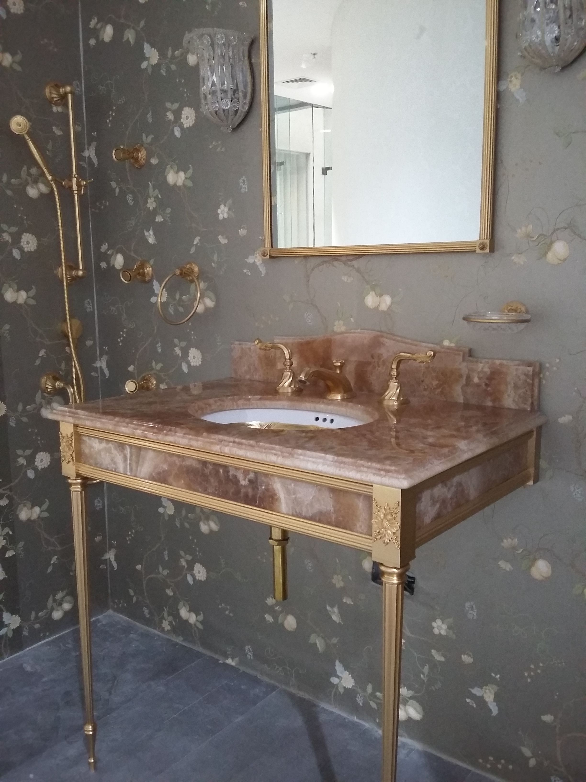 Sherle Wagner Classic Bathroom Design Reeded Console With Reeded Leg In Gold Plate Finish With